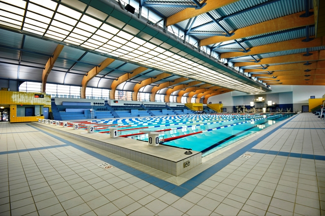 Ceramic tiling contractors plunkett tiling quality commercial tiling services to blue chip for University of warwick swimming pool