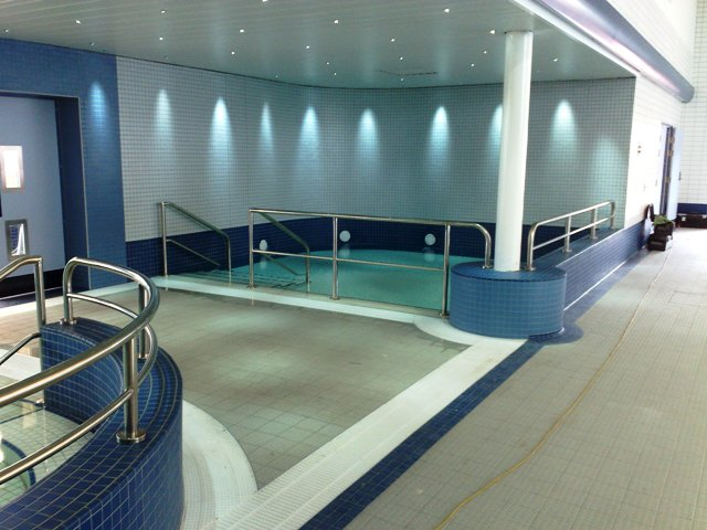 Swimming facilities ceramic tiling contractors uk part 2 for Waves swimming pool whitley bay